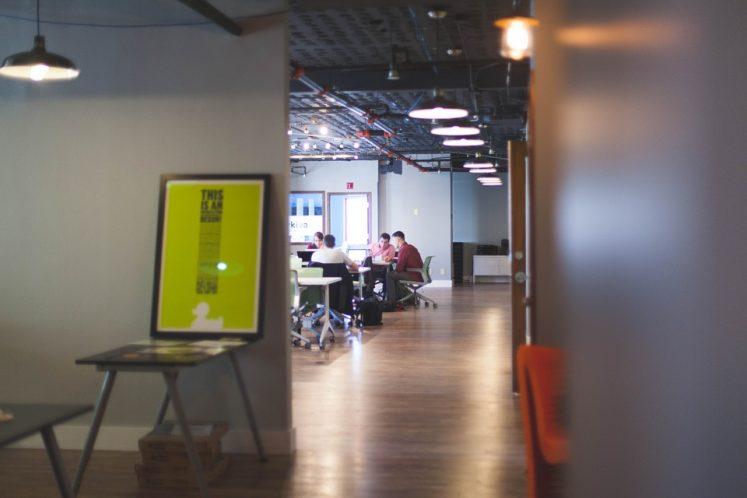 Fédérer vos équipes en séminaire : Tout en convivialité avec la location d'une borne photo