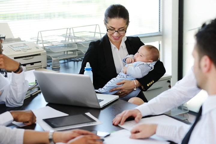 Mère célibataire : comment gérer le retour au bureau ?