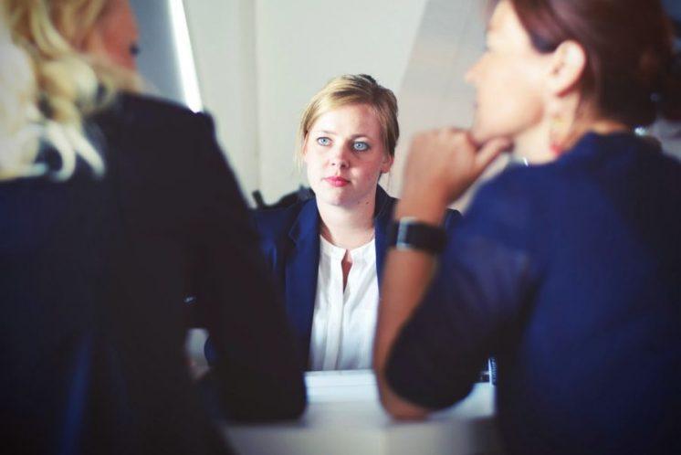 Hôtesse d'accueil : le reflet de votre image de marque