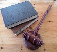 5 critères à considérer pour trouver un bon avocat à Paris